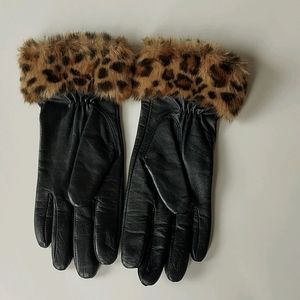 Leather Gloves with Faux Leopard Fur